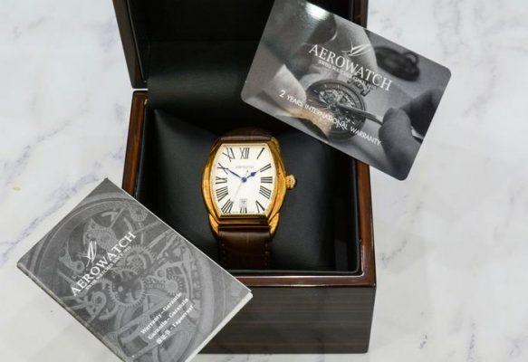 Đồng hồ qua sử dụng